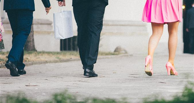Men At Top Business Schools Tackle Sexism